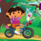 Даша на велосипеде