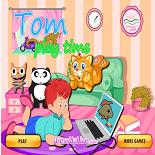 Том Ухаживает за Котом